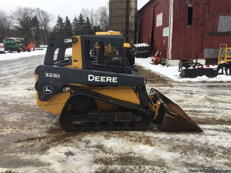 John Deere 323D Track Skid.