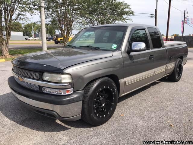 Chevrolet Silverado  Gray Pickup