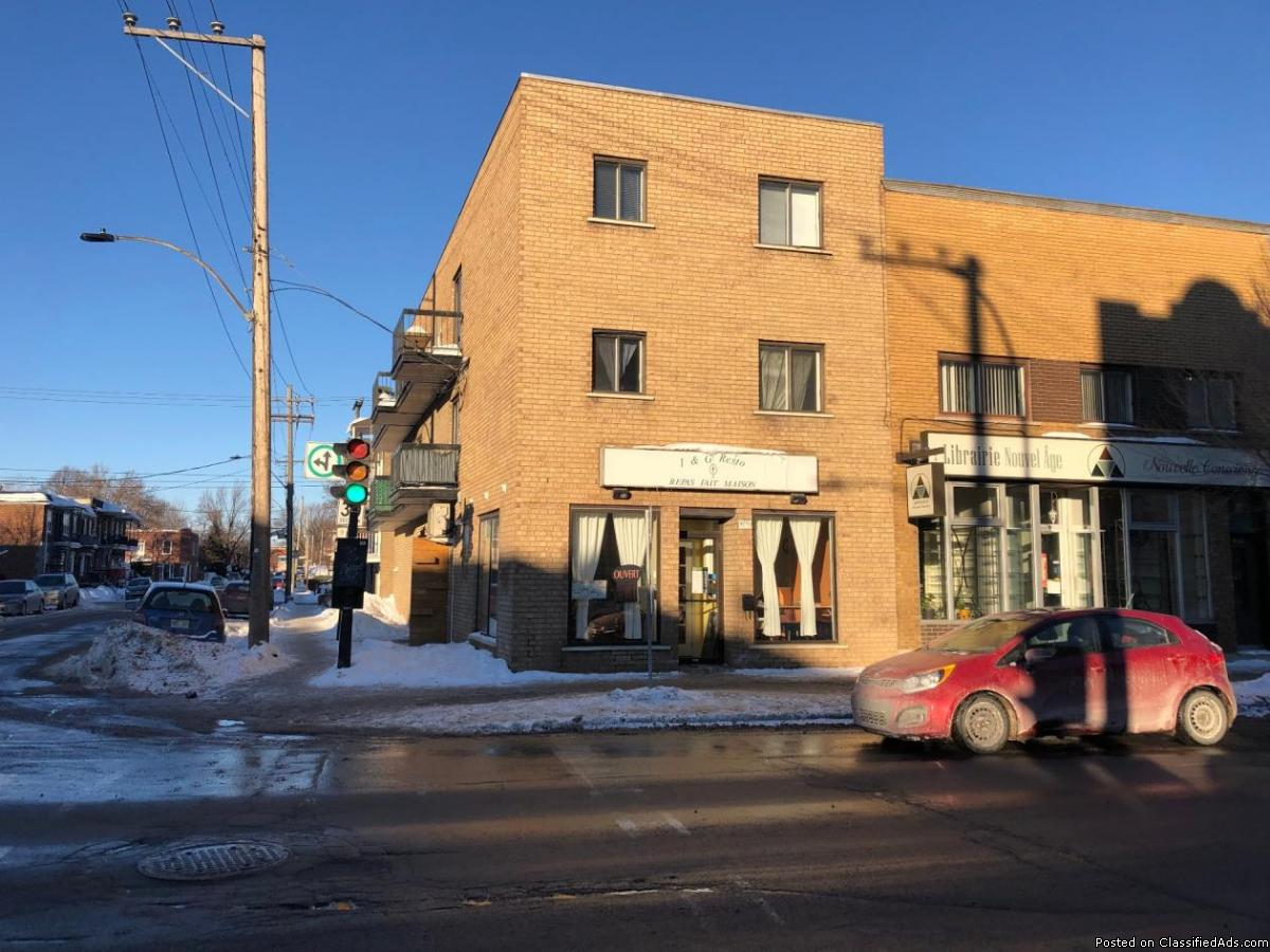 Restaurant ideal location in Ahuntsic $