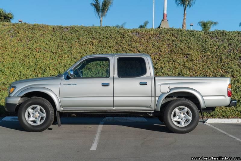 Toyota Tacoma Gray Pickup Truck