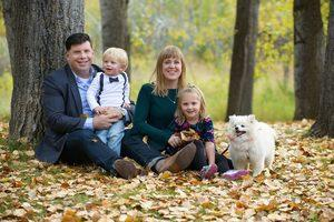 Book a Professional Family Photographer in Calgary