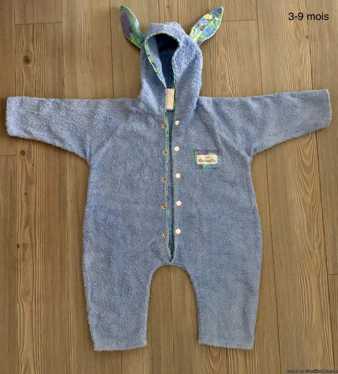 Vêtement pour bébé garçon 6 -12 mois. Pyjama après le