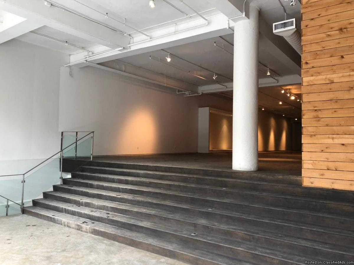 FOR RENT St-Laurent blvd  sqft GF on 2 levels