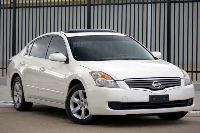Nissan Altima White SL