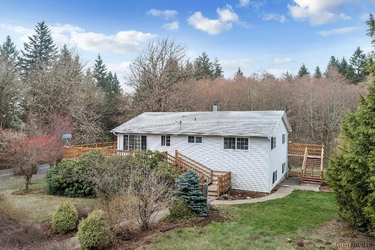 Skyline Ridge Home on Acres 8.41 Acres