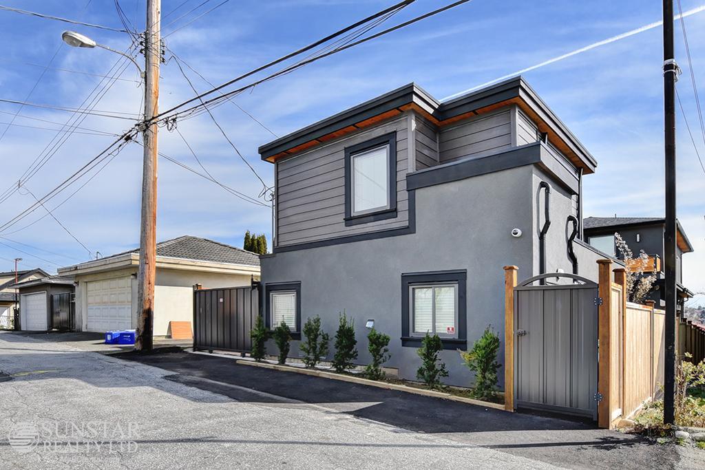 Renfrew Brand New 2 Bedroom 2 Bathroom Laneway House