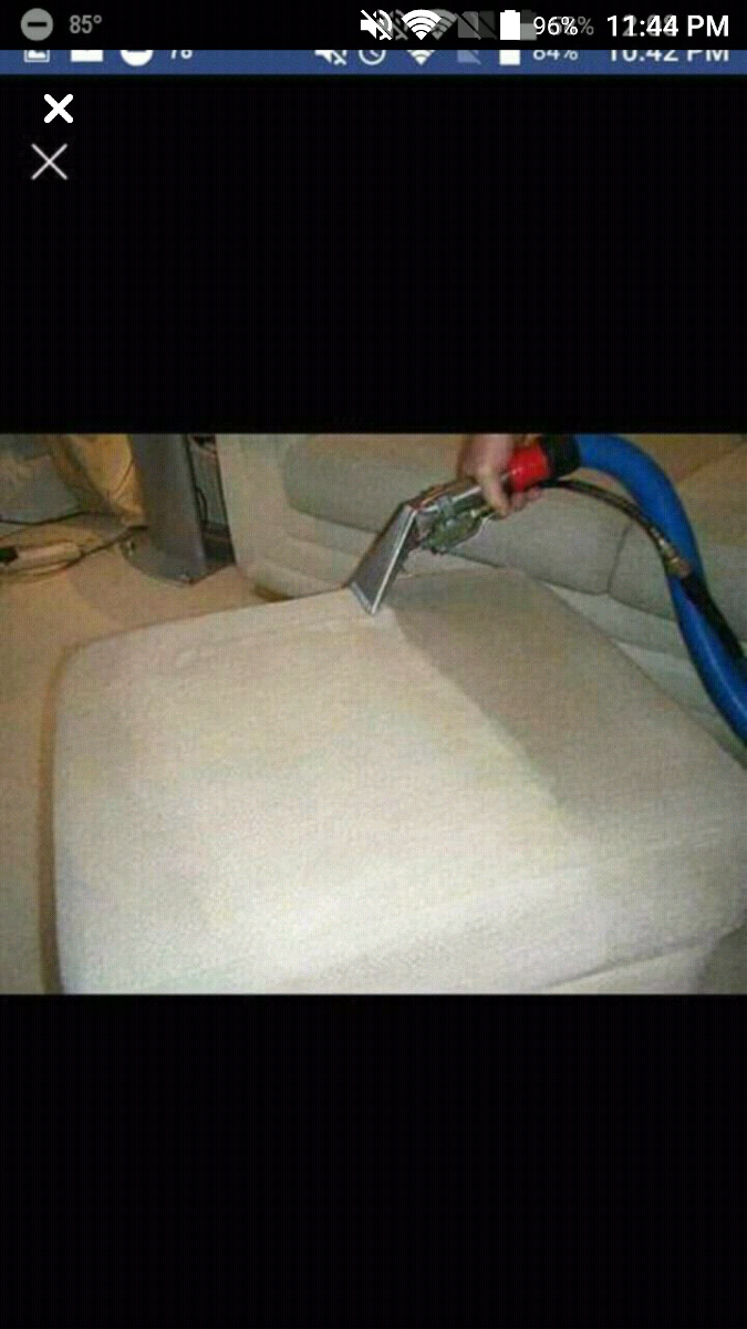 Carpet steam cleaning service truck mounted