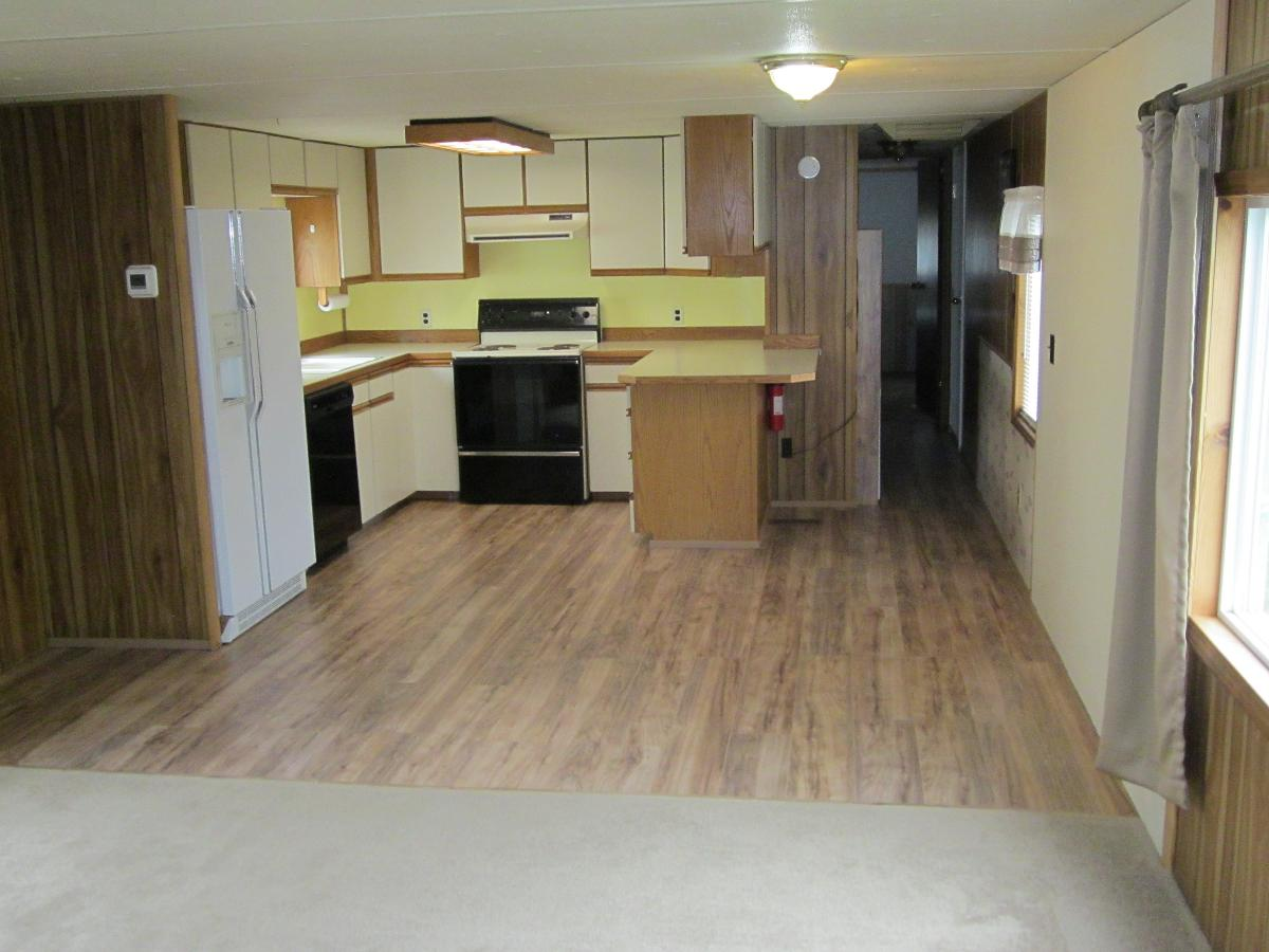 3 bedroom 1.5 bath mobile home for rent