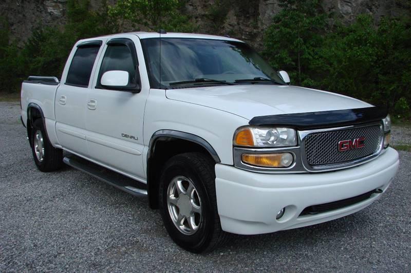 GMC Sierra  White Pickup