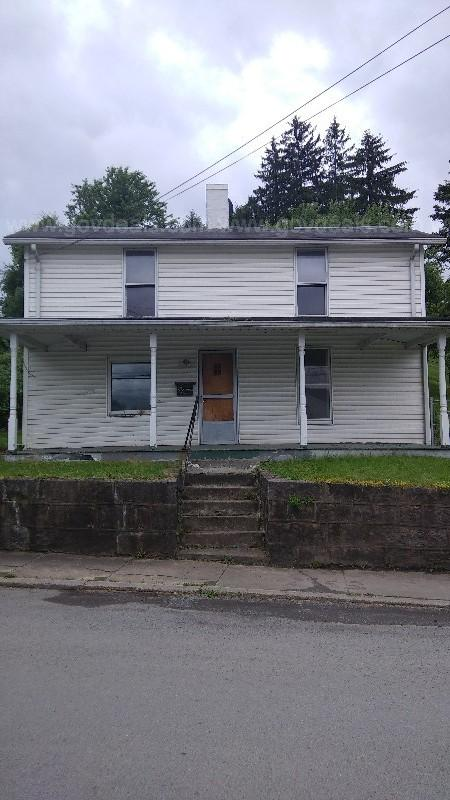 Two story 3 bedroom, 1 bathroom house