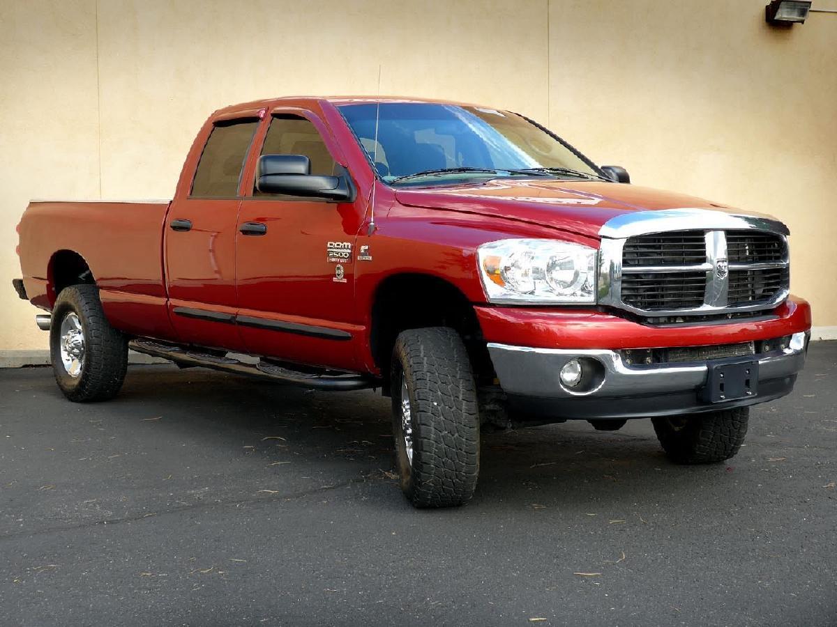 Dodge Ram  QuadCab SLT