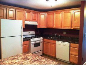 Excellent Condition 2 Bed/1 Bath Condo Apartment Available