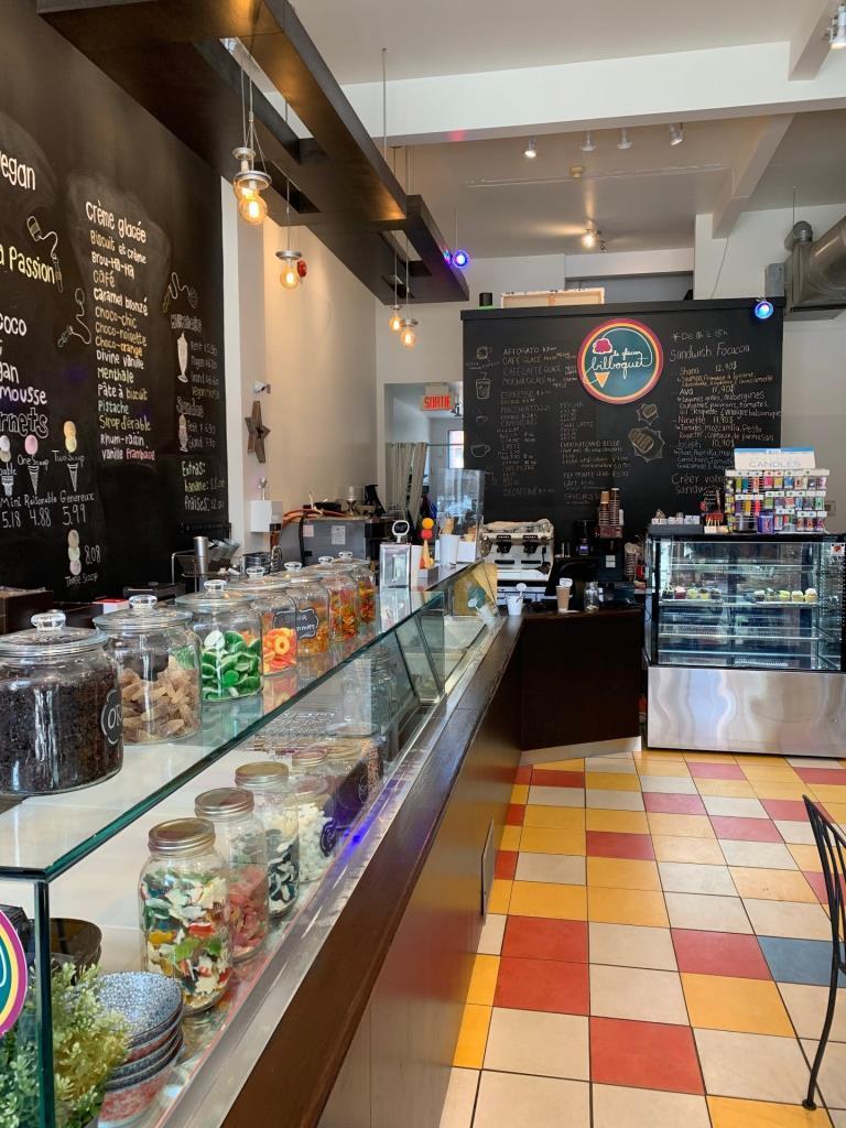 Ice cream and dessert shop Le Bilboquet for sale in