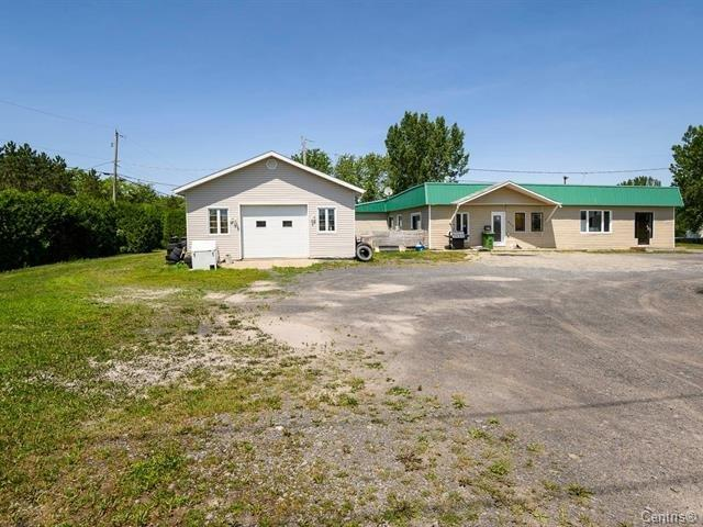 sqft land with duplex and large garage IDEAL FOR
