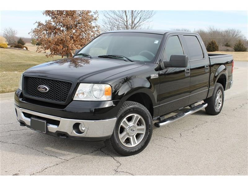 Ford F-150 XLT Black Pickup Truck  miles