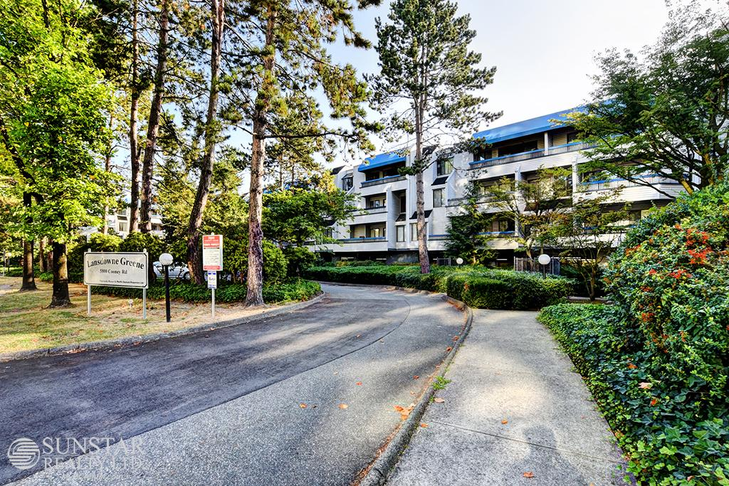 Brighouse 2 Bed Condo w/ Balcony & Fireplace @ Lansdowne