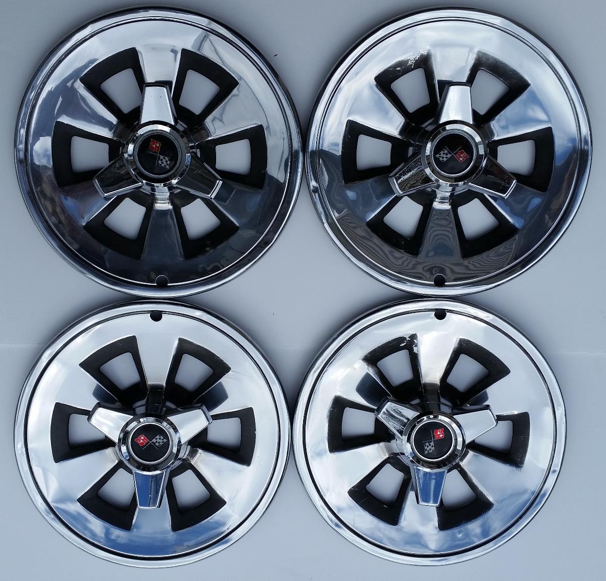 Corvette Spinner Hubcaps