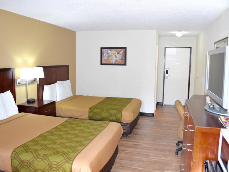 Stay in Holiday Hotel Stroudsburg, PA | Bridge Views Inn
