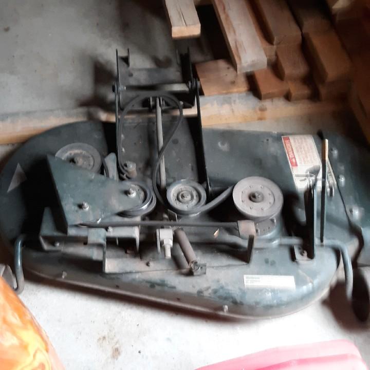 Bolens lawn tractor, mower deck
