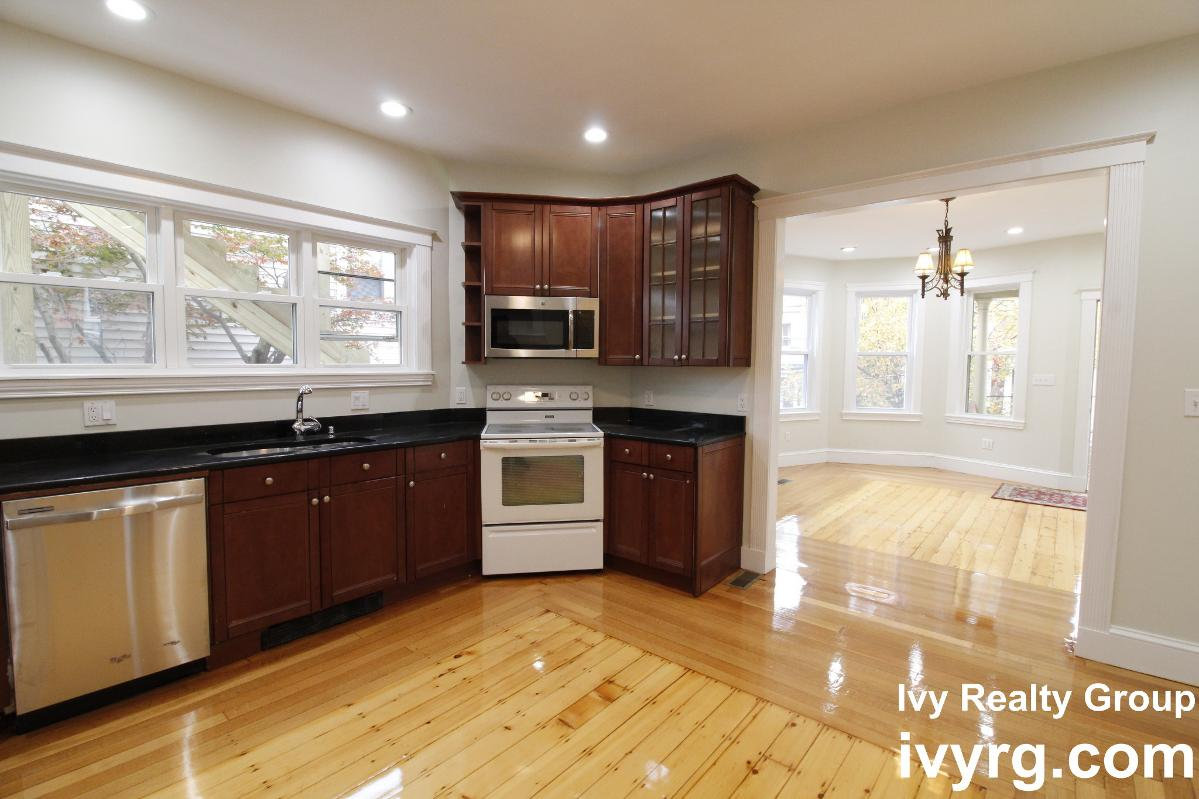 Tennyson St 3BED apt for rent