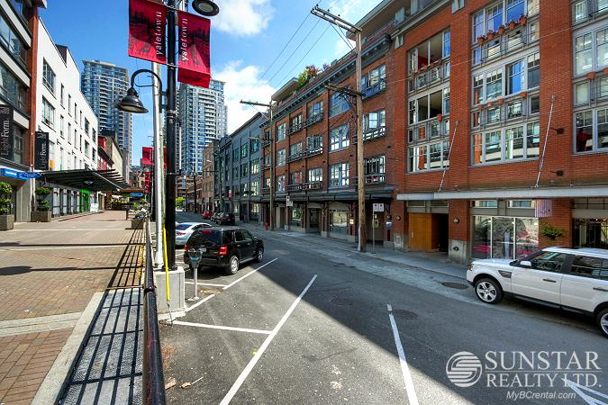 Yaletown 1 Bed 1 Bath Industrial Heritage Conversion @ The