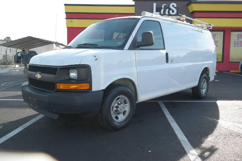 CHEVROLET EXPRESS CARGO **AUTOMATIC**RUNS
