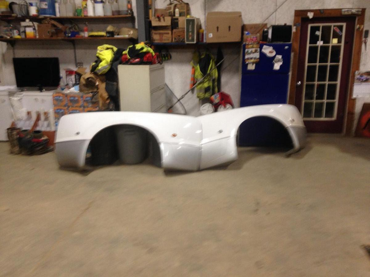 Ford F-350 duality fenders