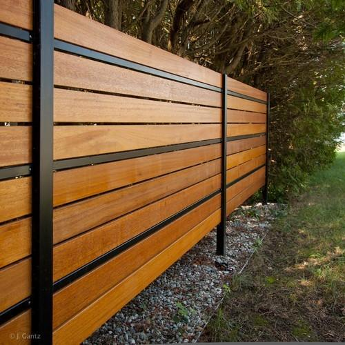CHOOSING THE RIGHT FENCE BUILDER IN CALGARY