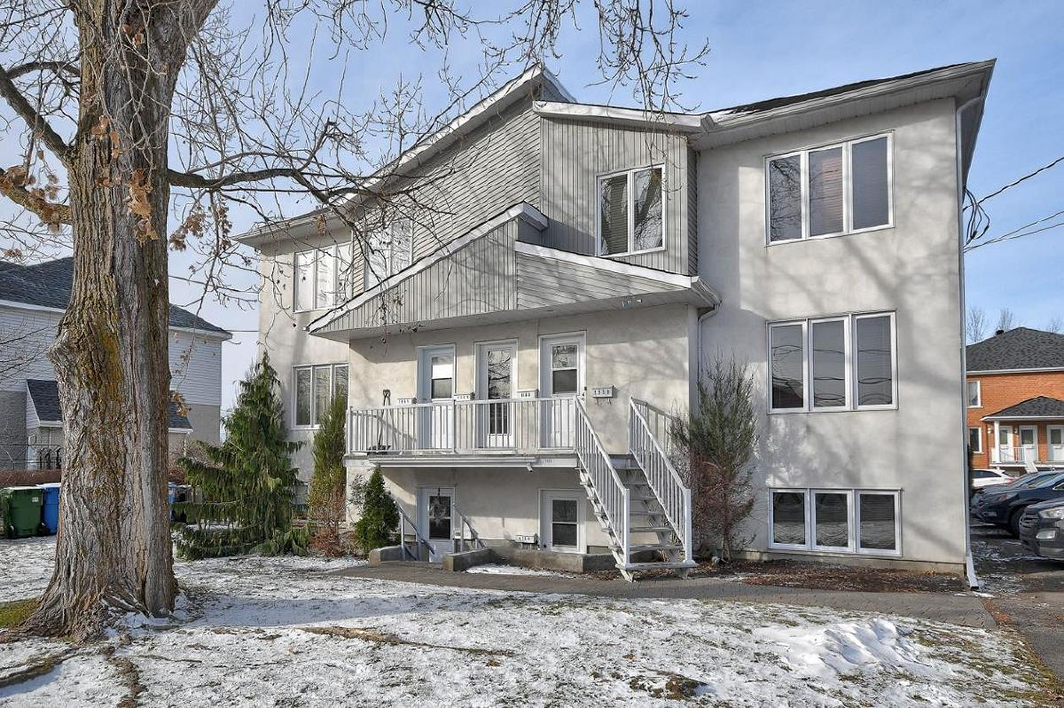 Lovely 3 bedroom condo on ground floor in Chambly