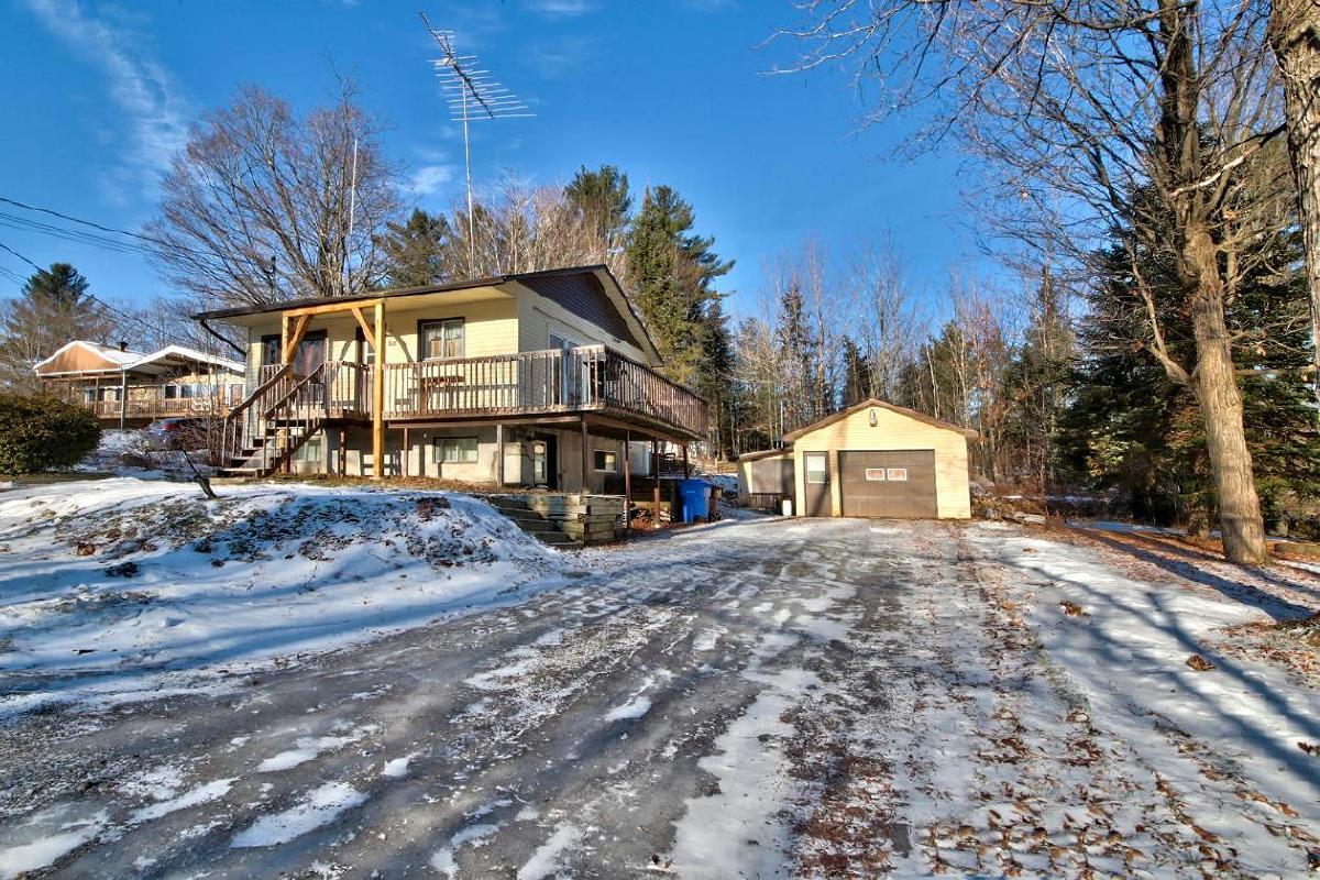 Votre maison avec garage à Ste-Sophie *au prix d'un loyer!*
