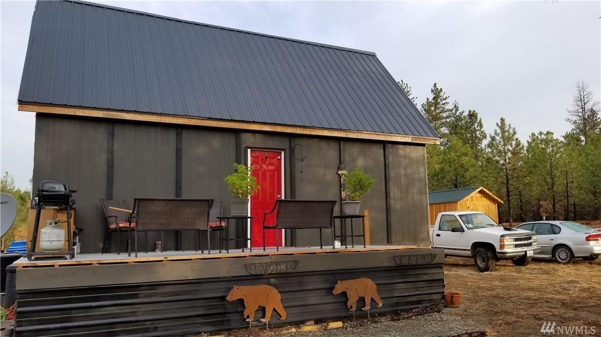Off-Grid Cabin on 12+ Acres
