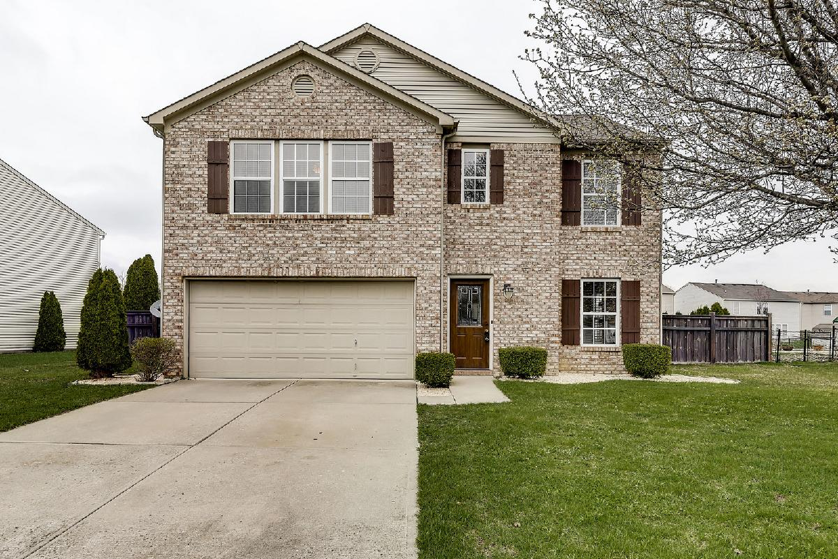 3 BR/2.5 Bath Two-Story: Woodland Trace Blvd