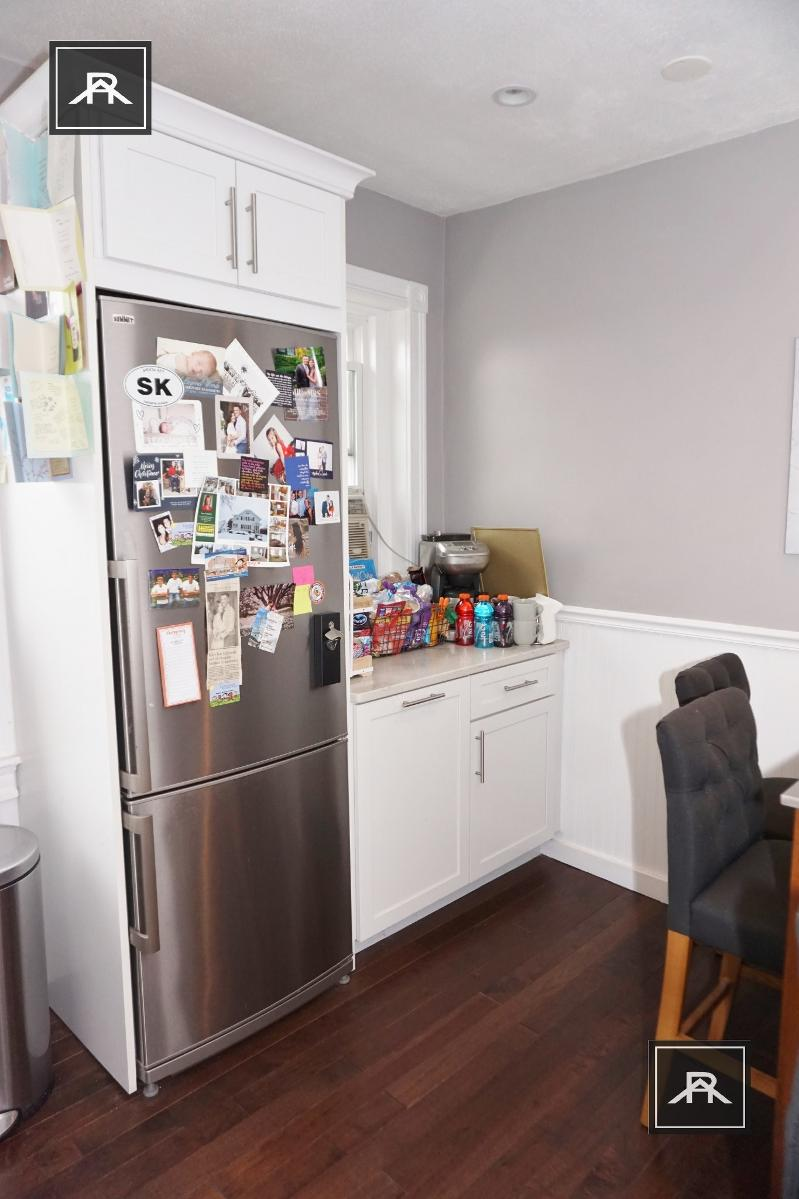 BEAUTIFUL EXCLUSIVE NEW TO MARKET MASSIVE 2 BED ELEVATOR..