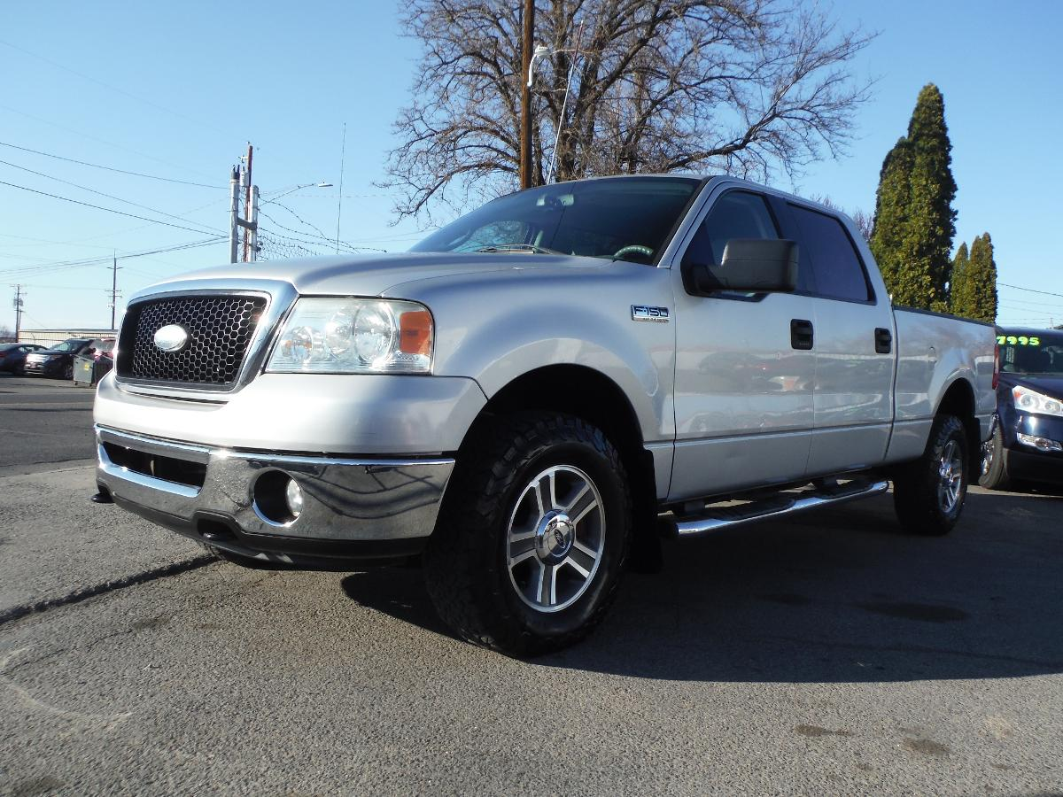 FORD F-150 SUPERCREW 4WD! NEW ENGINE!