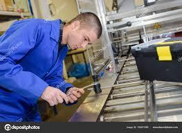 Manufacturing Mechanic