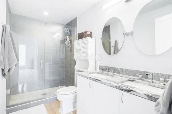 @@2 bedroom 1 bath Apartment—Great Home!!