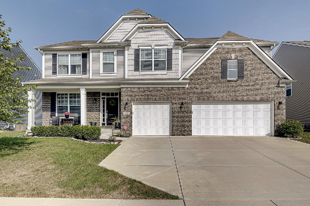 5 BR/2.5 Bath Two-Story: Goose Rock Dr