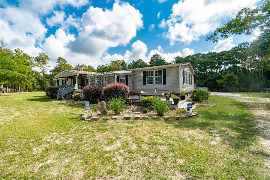 (3bd 2ba) Single-Family Home for Sale | 157 Hall Road